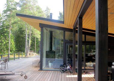 Finnlamelli Timberkoti pilaripalkki -talot ja timberframe tekniikka